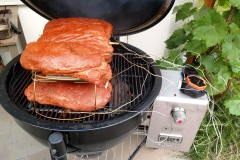 Weber Summit Charcoal mit Pulled Pork